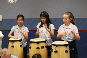 3_girls_drumming